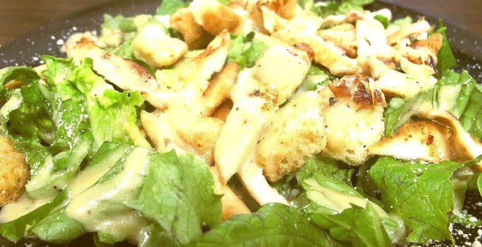 Chicken Caesar salad (by Coyoty)